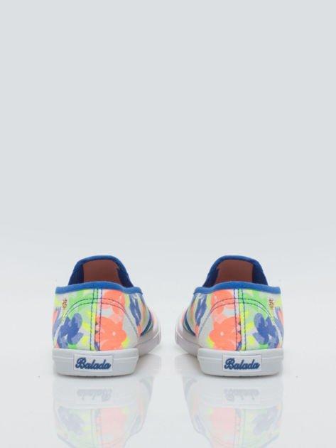 Granatowe kwiatowe buty slip-on                                  zdj.                                  3