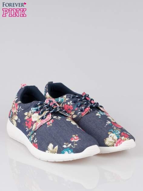 Granatowe kwiatowe buty sportowe Bring It On na podeszwie flex                                  zdj.                                  2