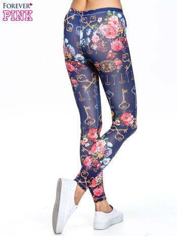 Granatowe legginsy z motywem kwiatów i kluczy                                  zdj.                                  4