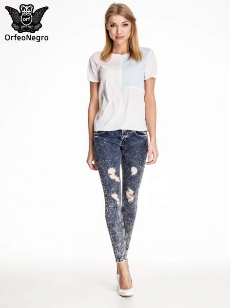 Granatowe marmurkowe spodnie skinny jeans z przetarciami                                  zdj.                                  2