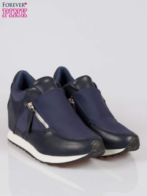 Granatowe sneakersy damskie z suwakiem                                  zdj.                                  2