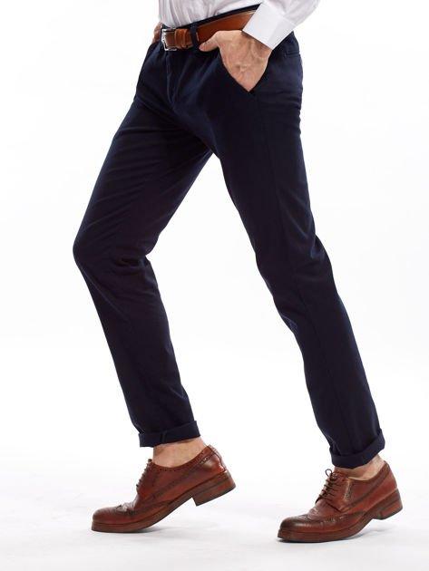 Granatowe spodnie męskie chinosy o prostym kroju                              zdj.                              9