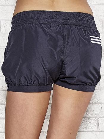 Granatowe szorty damskie w stylu marynarskim                                  zdj.                                  5
