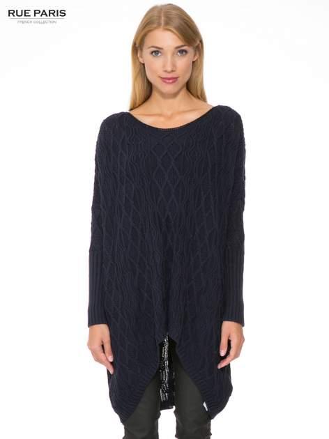 Granatowy dziergany długi sweter o kroju oversize                                  zdj.                                  1