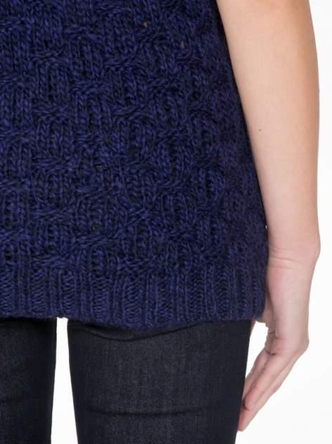 Granatowy dziergany sweterek z krótkim rękawem                                  zdj.                                  8