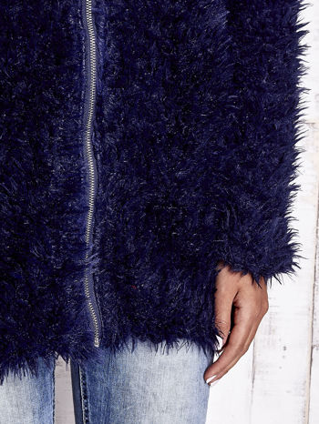 Granatowy futrzany sweter kurtka na suwak                                  zdj.                                  6