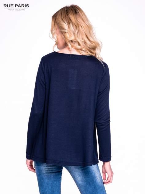 Granatowy klasyczny sweterek                                  zdj.                                  2