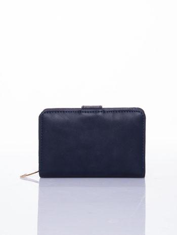 Granatowy portfel z zatrzaskiem                                  zdj.                                  2