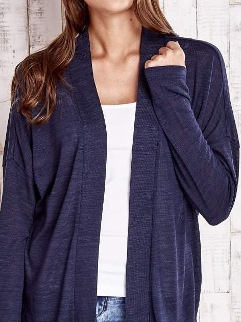 Granatowy sweter z otwartym dekoltem                                  zdj.                                  5