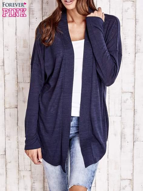 Granatowy sweter z otwartym dekoltem                                  zdj.                                  1