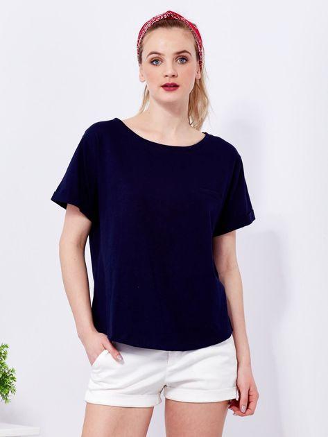 Granatowy t-shirt basic z podwijanymi rękawami                                  zdj.                                  1