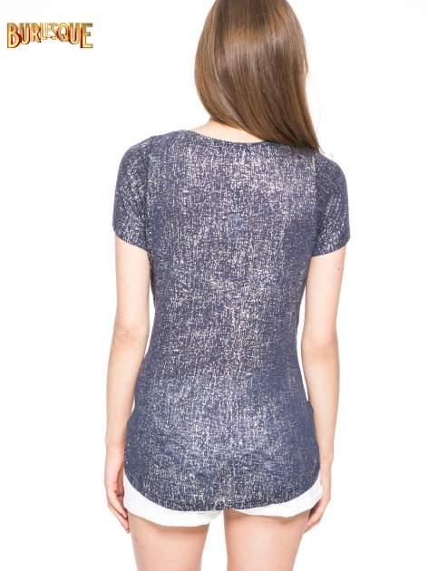 Granatowy t-shirt w srebrne plamki                                  zdj.                                  4