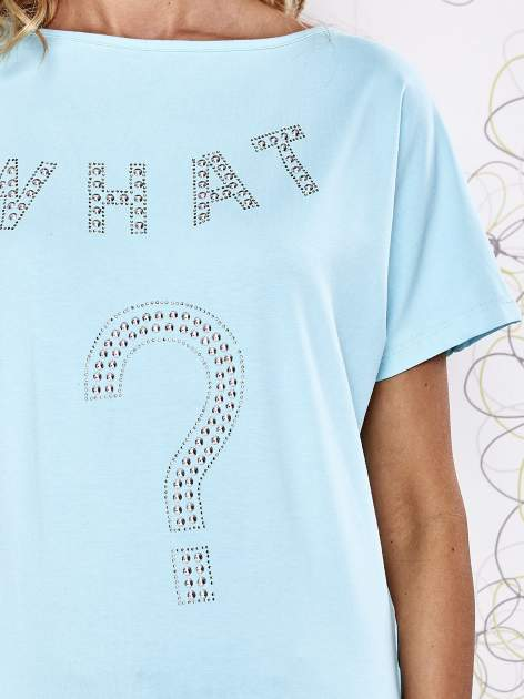 Granatowy t-shirt z aplikacją z dżetów WHAT?                                  zdj.                                  3