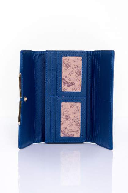 Granatowy zamszowy portfel z geometrycznym motywem                                  zdj.                                  4