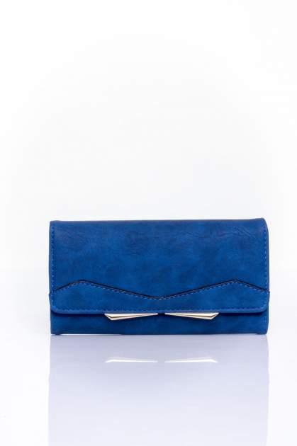 Granatowy zamszowy portfel z geometrycznym motywem                                  zdj.                                  1