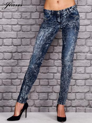 JEANS Ciemnoniebieskie spodnie jeansowe acid wash                                  zdj.                                  1