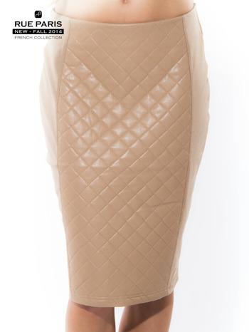 Jasnobeżowa spódnica z pikowaną wstawką                                  zdj.                                  1
