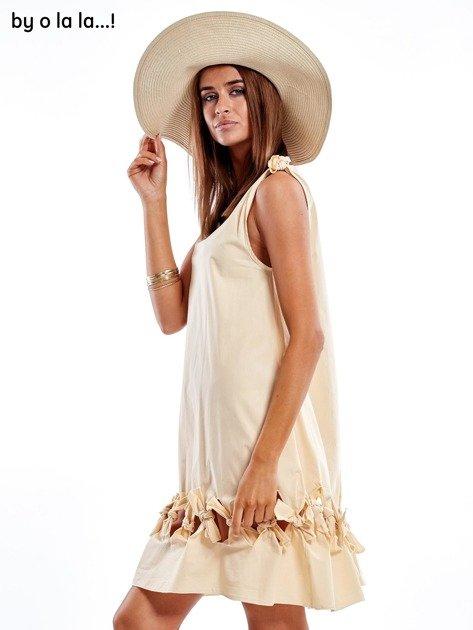 Jasnobeżowa sukienka z kokardkami BY O LA LA                               zdj.                              5