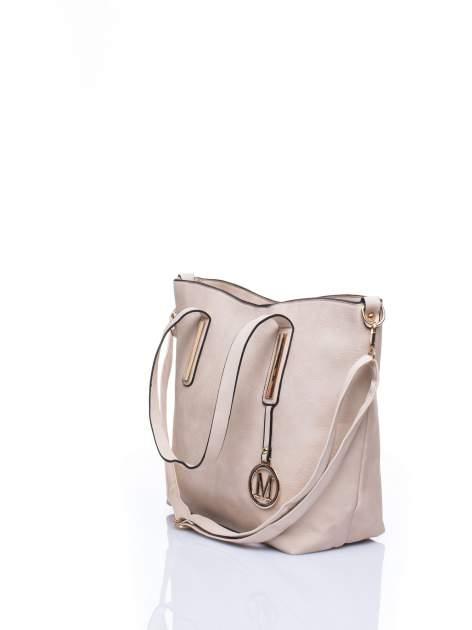 Jasnobeżowa torba na ramię ze złotym emblematem                                  zdj.                                  5