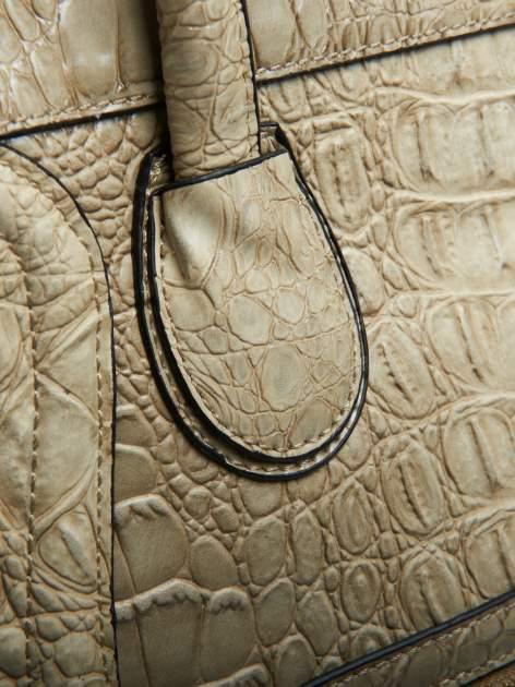 Jasnobeżowa trapezowa torba miejska z efektem skóry krokodyla                                  zdj.                                  4