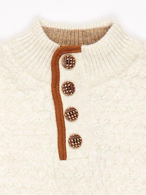 Jasnobeżowy sweter dla chłopca z plecionym wzorem                              zdj.                              7
