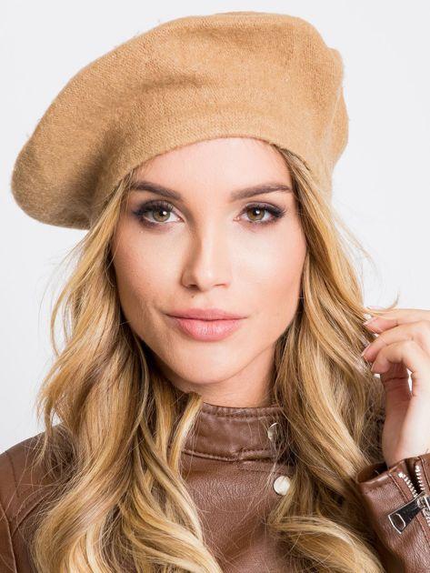 Jasnobrązowa czapka z wełną