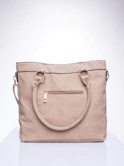 Jasnobrązowa fakturowana torebka z klamerkami                                  zdj.                                  3