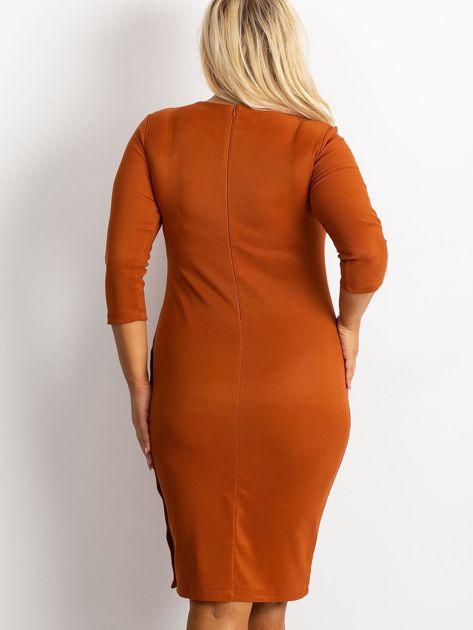 Jasnobrązowa sukienka plus size Miley                              zdj.                              2