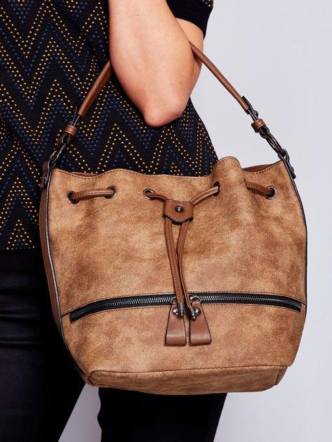 Jasnobrązowa torba z suwakami                                   zdj.                                  1