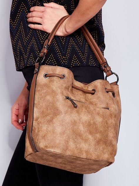 Jasnobrązowa torba z suwakami                               zdj.                              2