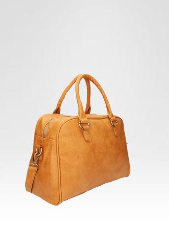 Jasnobrązowa torebka typu miękki kuferek z dodatkowym paskiem                                  zdj.                                  2