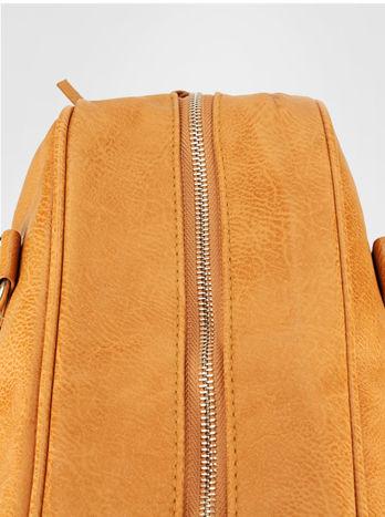 Jasnobrązowa torebka typu miękki kuferek z dodatkowym paskiem                                  zdj.                                  7