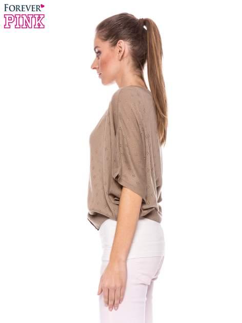 Jasnobrązowy ażurowy sweterek z krótkim rękawem                                  zdj.                                  3