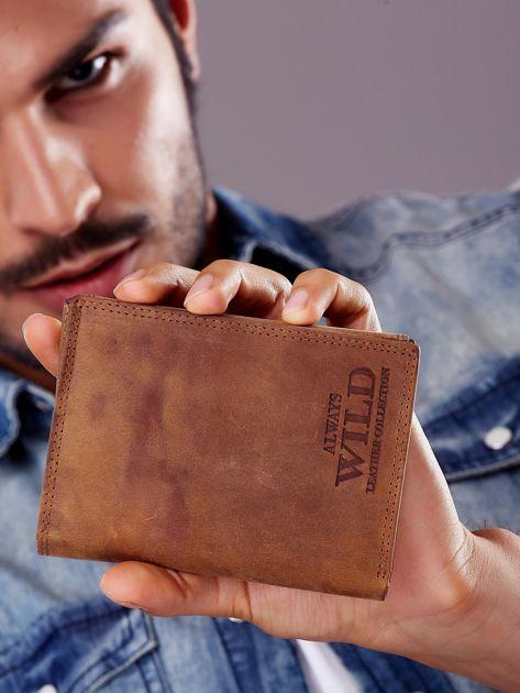 Jasnobrązowy portfel męski z tłoczonym napisem                              zdj.                              6