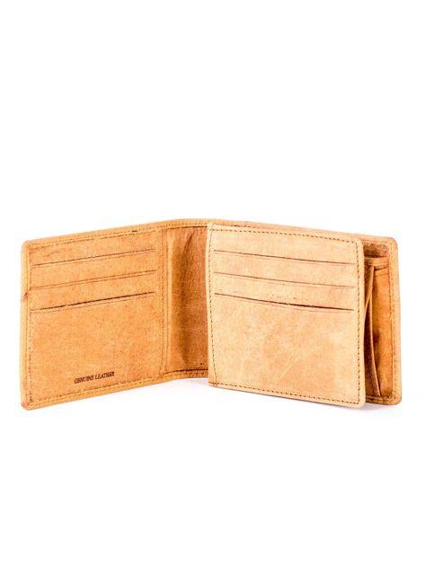 Jasnobrązowy skórzany portfel z tłoczonym krokodylem                              zdj.                              4