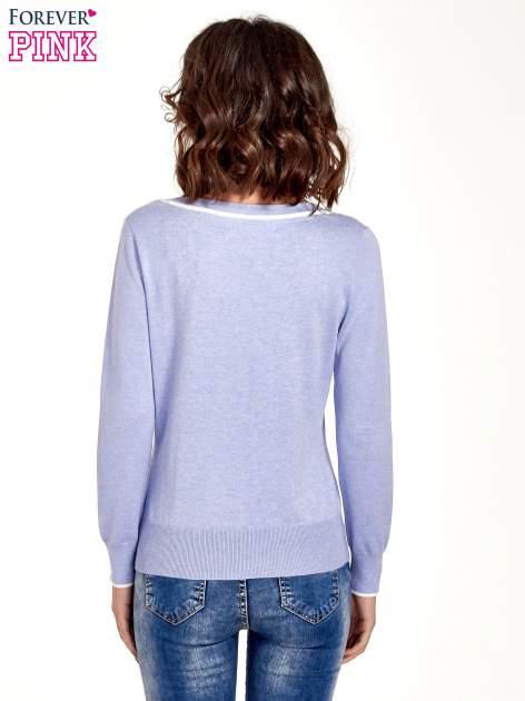 Jasnofioletowy sweterek z kokardką przy dekolcie                                  zdj.                                  4