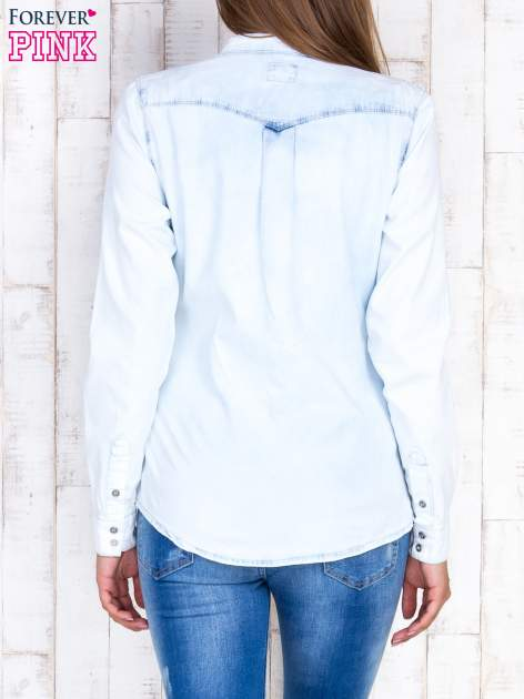 Jasnoniebieska damska koszula z jeansu                                  zdj.                                  2