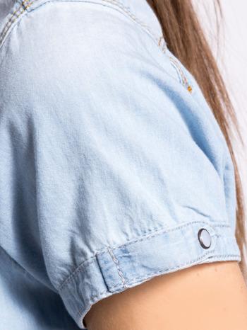 Jasnoniebieska koszula jeansowa z krótkim rękawem                                  zdj.                                  4