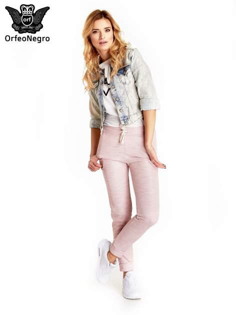 Jasnoniebieska kurtka jeansowa damska marmurkowa z kieszeniami na patki                                  zdj.                                  7