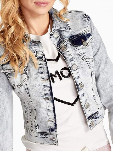 Jasnoniebieska kurtka jeansowa damska z efektem acid wash                                  zdj.                                  5