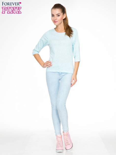 Jasnoniebieska melanżowa bluzka z rękawami 3/4                                  zdj.                                  2