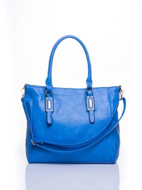 Jasnoniebieska miejska torba z ozdobnymi klamrami