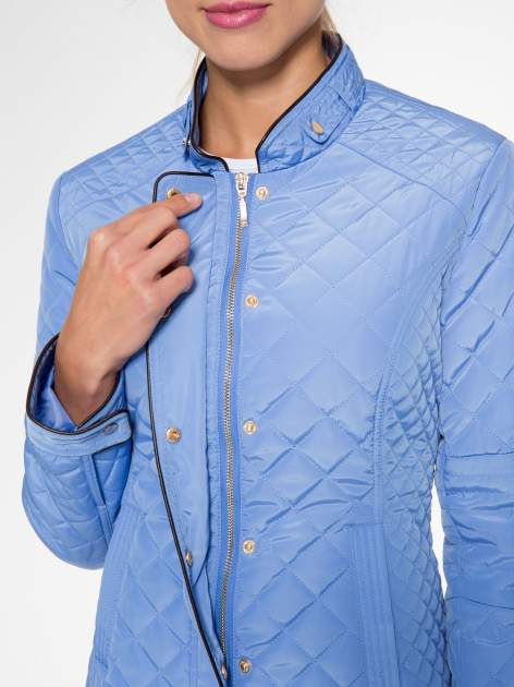 Jasnoniebieska pikowana kurtka ze skórzaną lamówką                                  zdj.                                  7