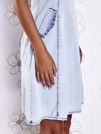 Jasnoniebieska sukienka z wycięciami na plecach                                  zdj.                                  7