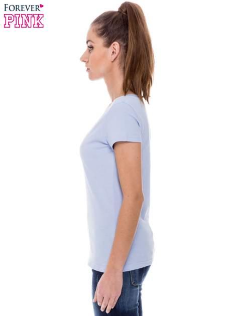 Jasnoniebieski basicowy t-shirt z dekoltem w serek                                  zdj.                                  3