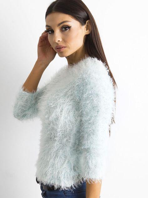 Jasnoniebieski sweter z długim włosem i cekinami                              zdj.                              5