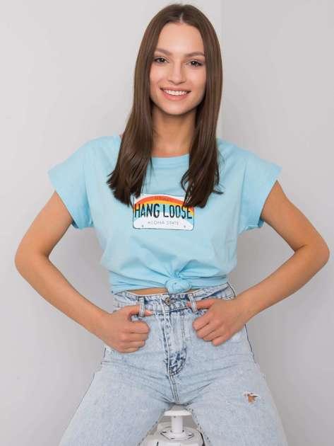 Jasnoniebieski t-shirt z nadrukiem Aloha
