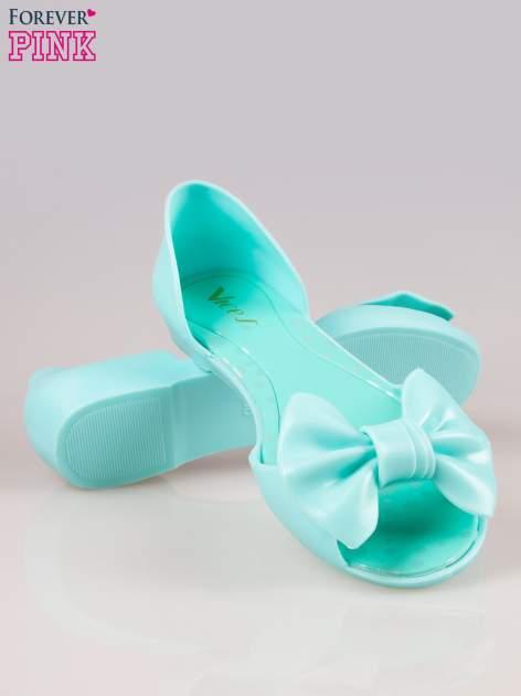 Jasnoniebieskie gumowe baleriny peep toe z kokardą                                  zdj.                                  4
