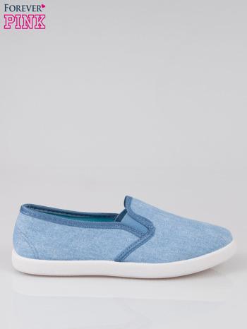 Jasnoniebieskie jeansowe buty slip on                                  zdj.                                  1