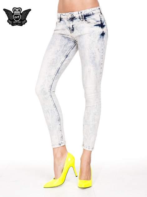 Jasnoniebieskie przecierane spodnie skinny jeans marmurki                                  zdj.                                  1